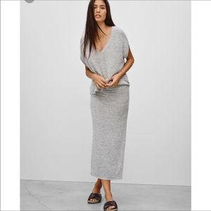 Aritzia Wilfred Free Side Slit Skirt